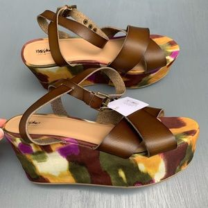 Mossimo | Buckle Wedge Sandals NWT